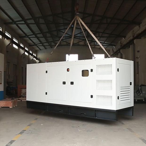 25kVA/20kw Silent Diesel Generator Set with 490d Diesel Engine pictures & photos