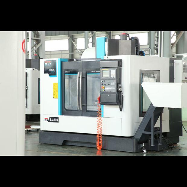 Hot Sales 3-Axis Precision Vertical CNC Milling Machine Kdvm800la pictures & photos