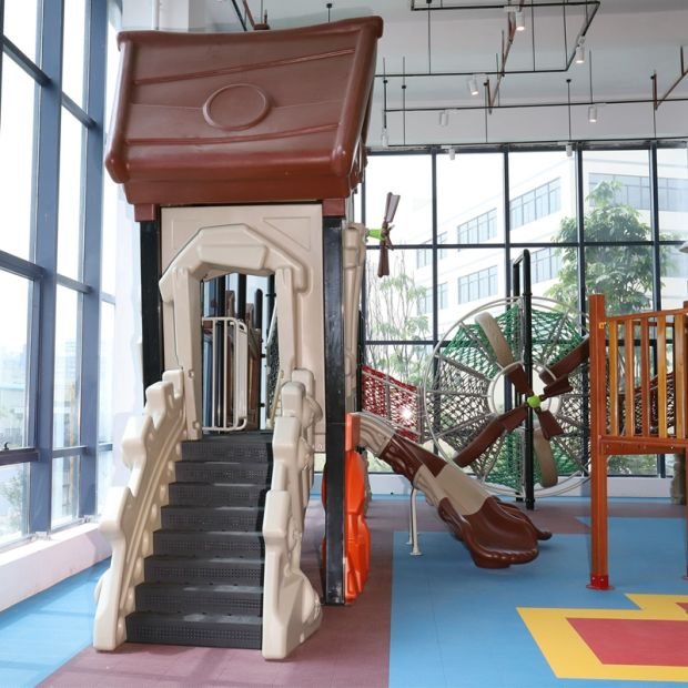 A01 Kids Public Plastic Outdoor Playground Equipment Slide pictures & photos