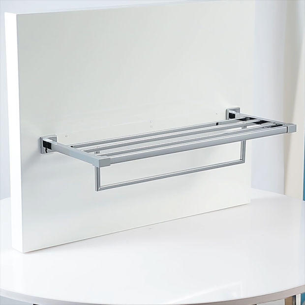 Bathroom Accessories in Chrome Finish pictures & photos