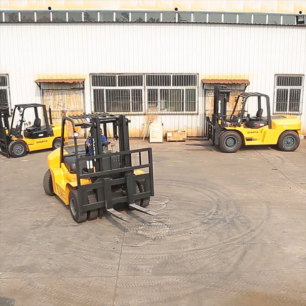 Shantui Forklift of China 5 Tons pictures & photos