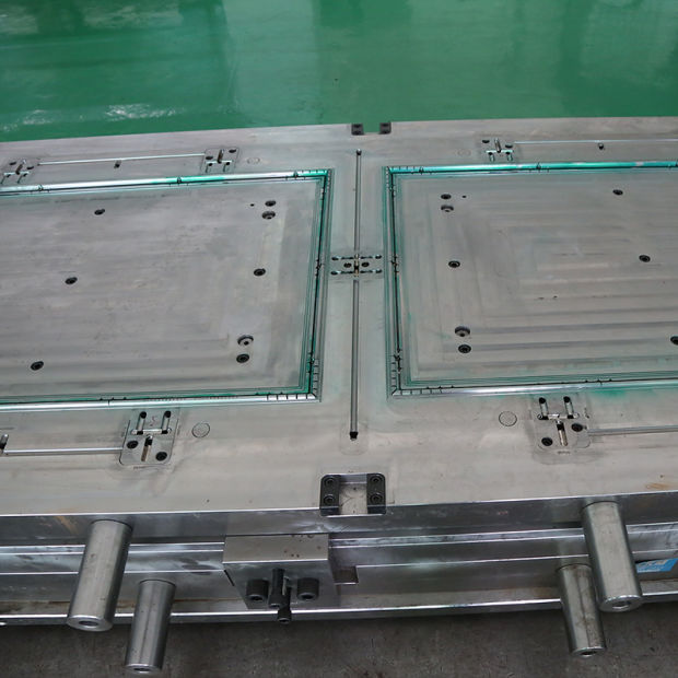 Injection Mold of Lite Frame, Door, Home Decoration, Plastic Mould pictures & photos