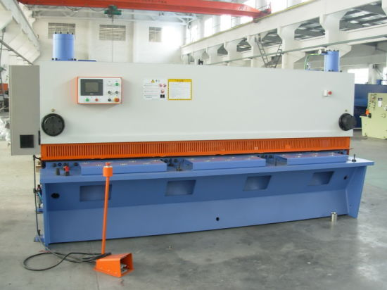 CNC Shearing Machine pictures & photos