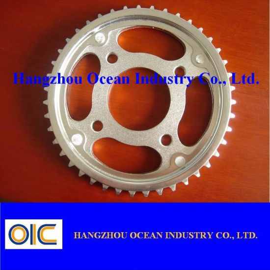 Motorcycle Sprocket (CD100, CG125, RX100, DR750, XR250, WAVE90, C70 etc) pictures & photos