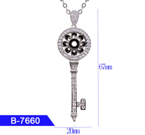New Arrival Women′s Fashion Jewelry 925 Sterling Silver Cubic Zirconia Pendant for Sale pictures & photos