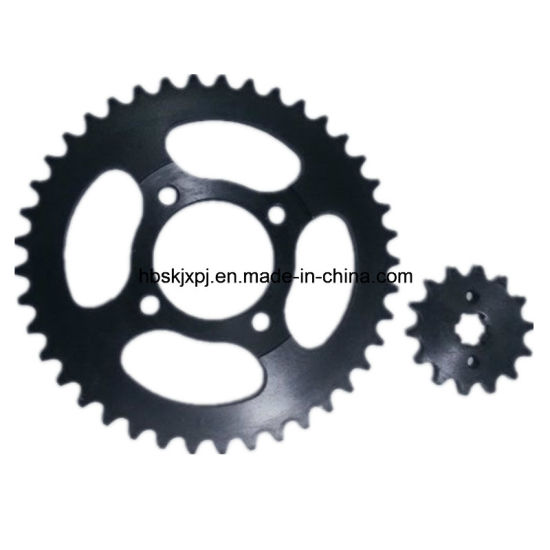 Top Quality with 1045 Steel Motorcycle Chain Sprocket pictures & photos