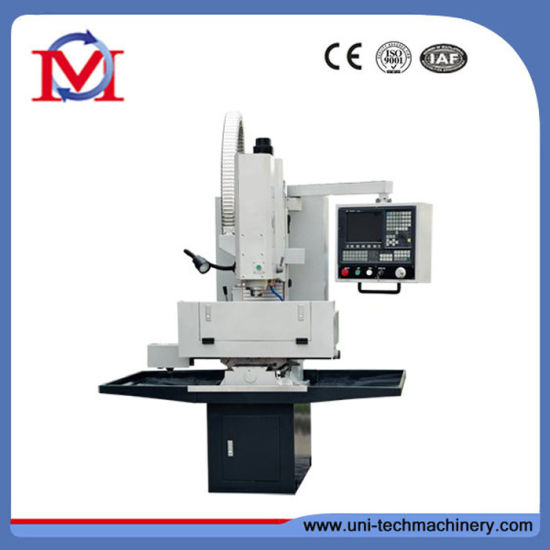 Xk7124 China 3-Axis Small Vertical CNC Milling Machine pictures & photos