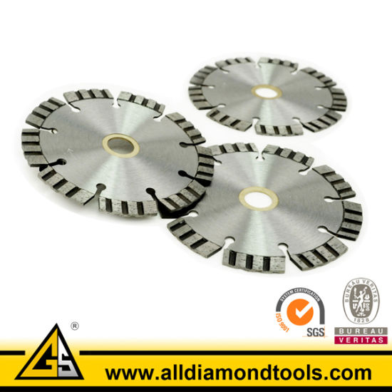 Sintered/Hot Pressed Turbo Segmented Diamond Saw Blade pictures & photos