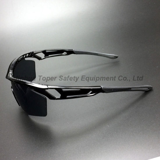 Sport Type UV Protection PC Lens Safety Ski Goggles (SG127) pictures & photos