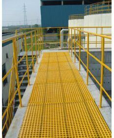 Fiberglass Pultruded Grating, Fiberglass Pultrusion Profile, FRP/GRP Handrail pictures & photos