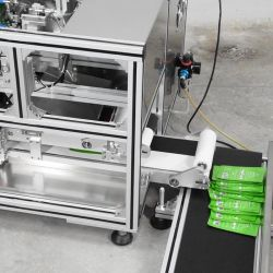 High Speed Facial Mask Sheet Folding and Packing Machine for Face Mask Production