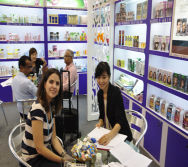 Customer with Overseas Senior Eva Xie-5