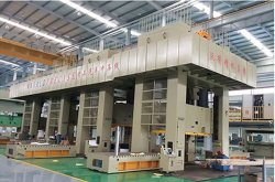 power press line with movable table for auto parts production