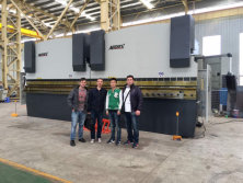 Vietnam Customers Visit Our Factory