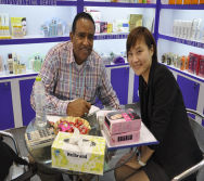 Customer with Overseas Manager Marriane Ma-17