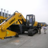 Customers Visiting-Excavator
