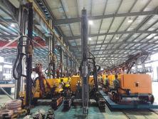HC726A Crawler Diesel Drilling Rig and Diesel Screw Air Compressor