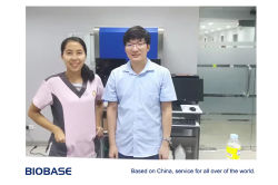 After-sales engineer and cutomer