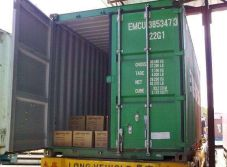 spark plug loading container