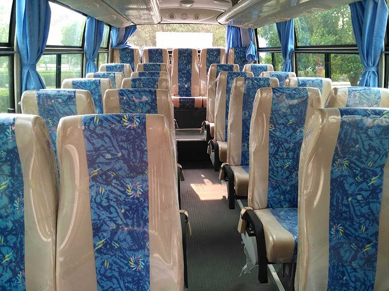 7.5m 31-35seats 140HP Tourist Bus Shuttle Bus