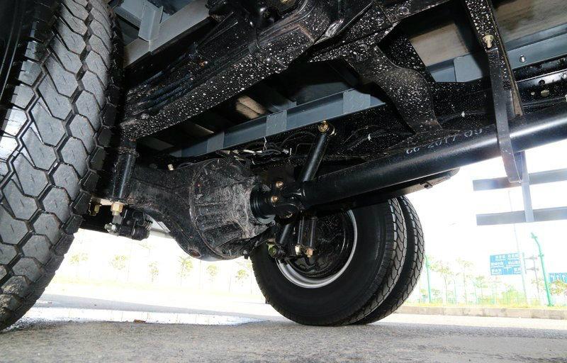Isuzu Kv600 Single Cabin 4X2 Wide-Body Three-Seat Van Truck