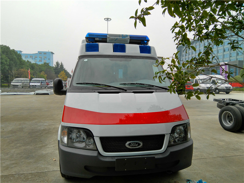 Ford 4X2 Ambulance Vehicle Cheap Ambulances for Sale for