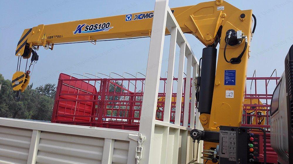 Sinotruk HOWO 6X4 30tons Truck Mounted Crane