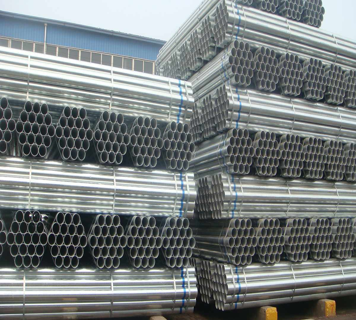 China round galvanized steel pipe construction photos