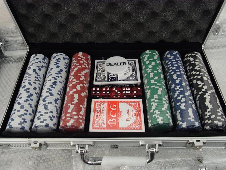casino 300pcs poker chip set with aluminum case - Poker Chips Set