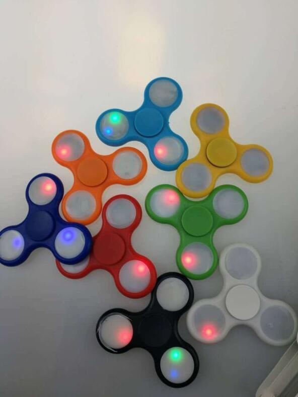 2017 Top Hot Factory Stocking LED Fidget Spinner with High Quality Bearing
