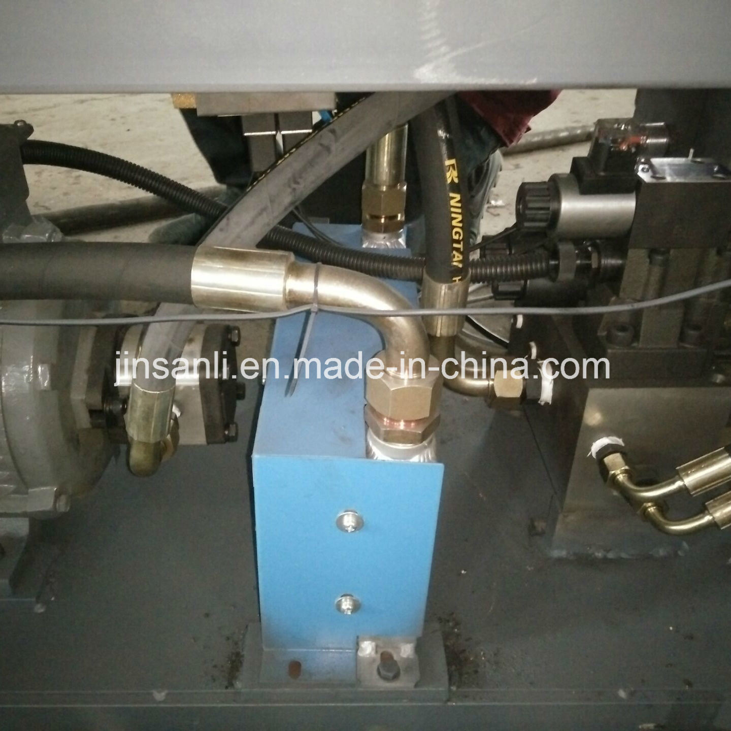 Railway Tunnel Constructions Use Round Pipe Punching Holes Machine with Best Quality