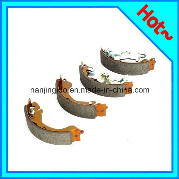 Auto Car Brake Shoe for Mitsubishi Lancer MB366445