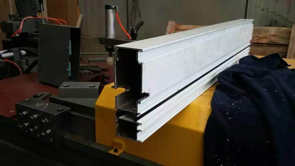 Kt-313cm Aluminum Curtain Wall End Milling Machine