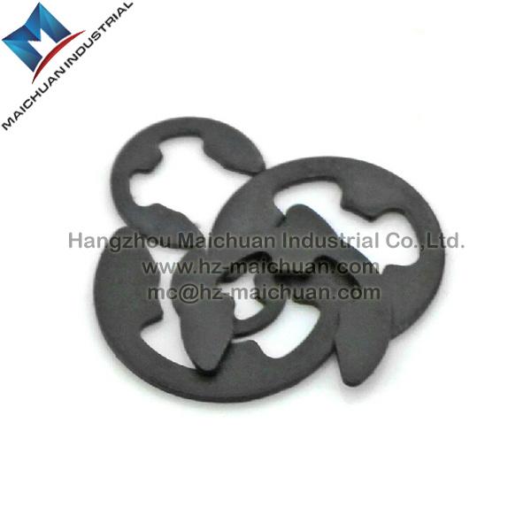 Retaining Ring / Snap Ring (DIN471 / DIN472 / DIN6799)