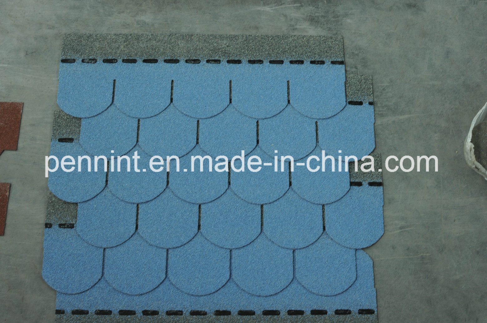 Building Materials Colorful Asphalt Shingles for Concrete Roof