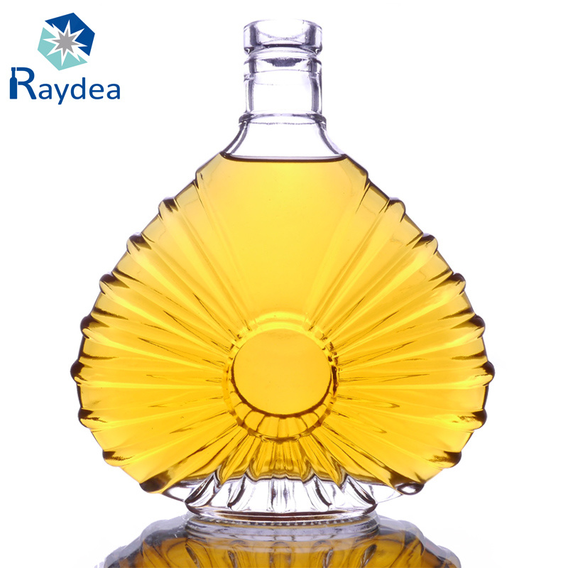 700ml Flint Xo Glass Bottle with Decoration