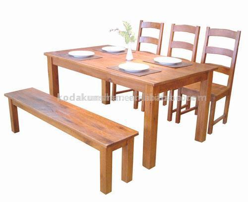 Solid oak dining room table and chairs chair pads cushions Andreas furniture