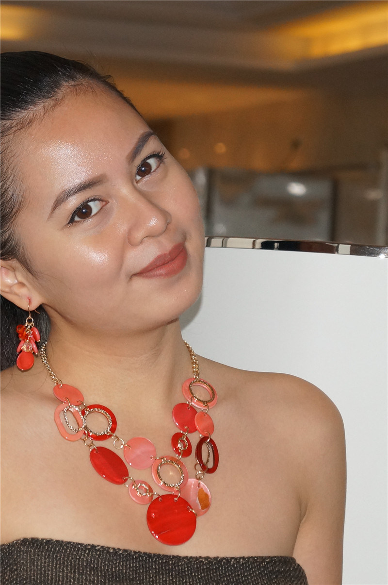 Shining Necklace with Circle Resin and Earrings Jewelry Sets