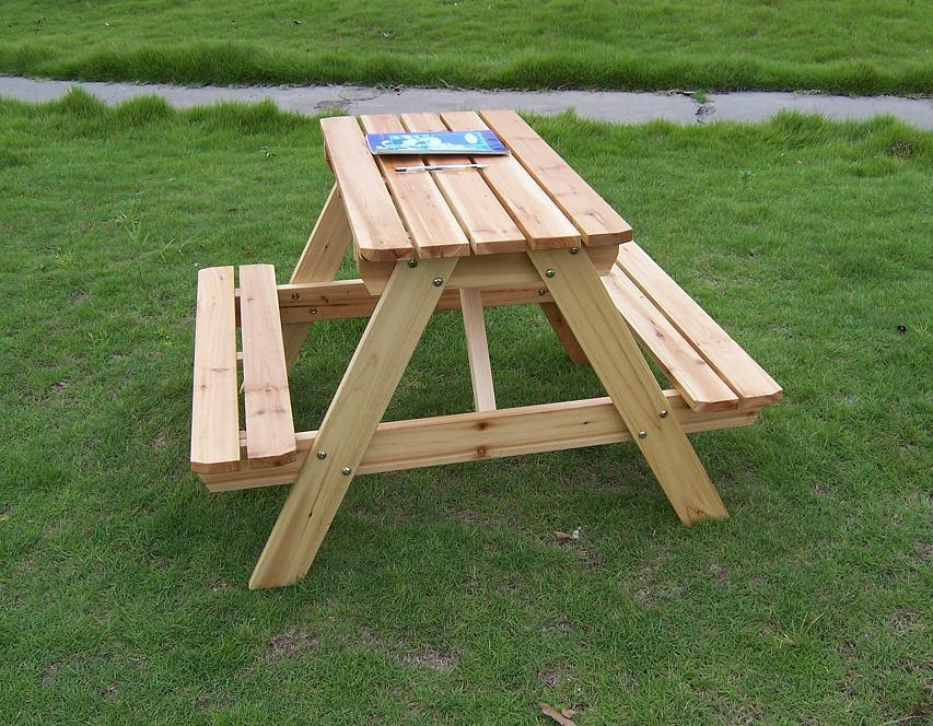 Natural Cedar Outdoor Garden Table Picnic Table Sets for Children