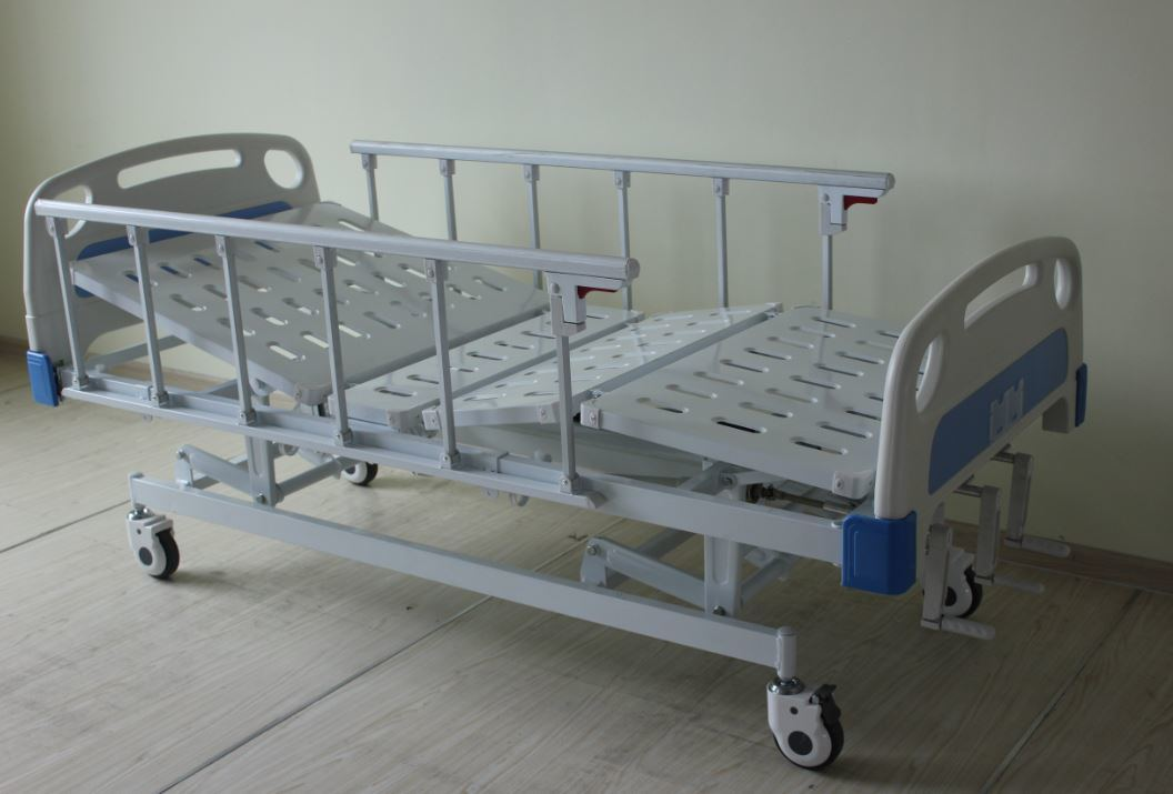 CE Certificate Three Cranks Manual Hospital Bed (SK-MB102)