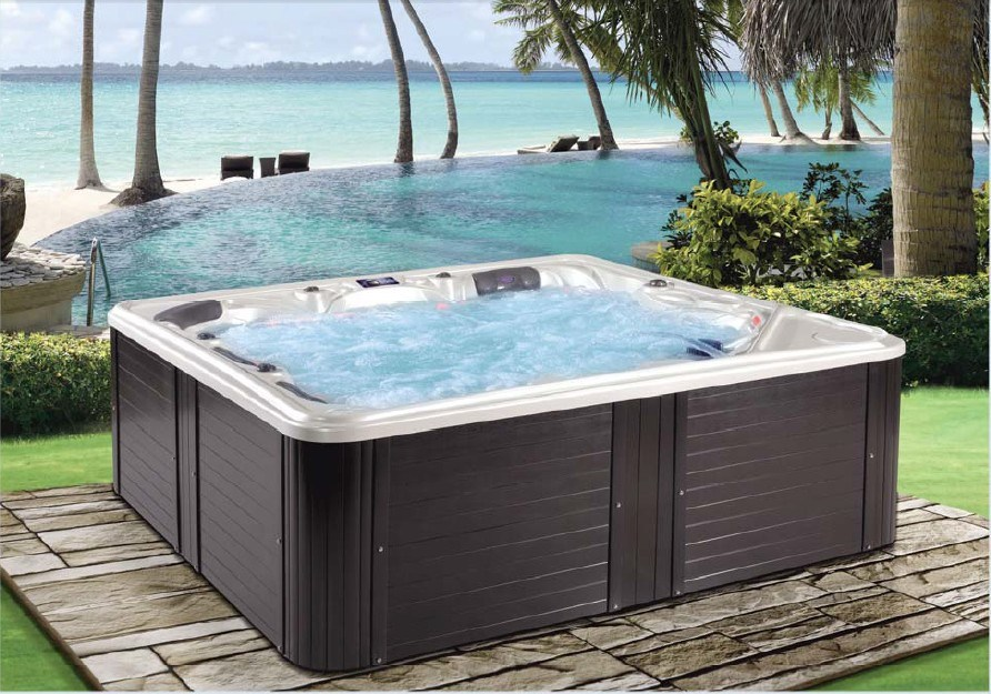 China New European Design Fashionable Outdoor Spa Hot Tub