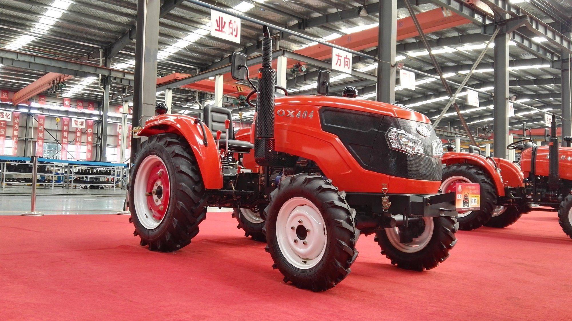 New 404 Four-Wheel Driving Wheel Tractor with Diesel Engine Kubota Type