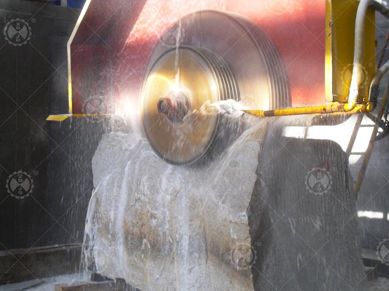 Btc-2500 Multi-Blades Granite Marble Bridge Block Cutting Machine