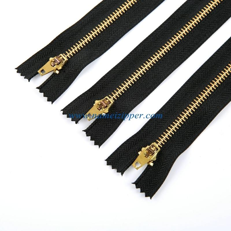 4.5# Brass Zipper Yg Slider for Jeans