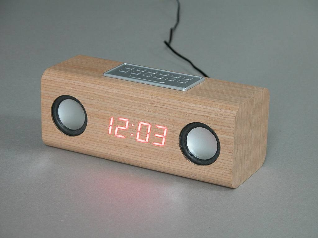 China Wooden Led Alarm Clock With Fm Radio En2101