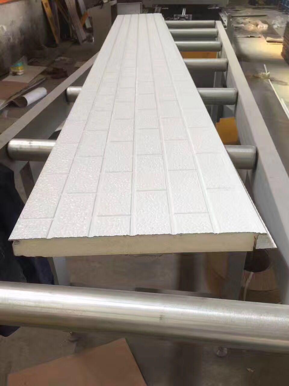 Building Material PU Foam Embossed Metallic Wall Panel