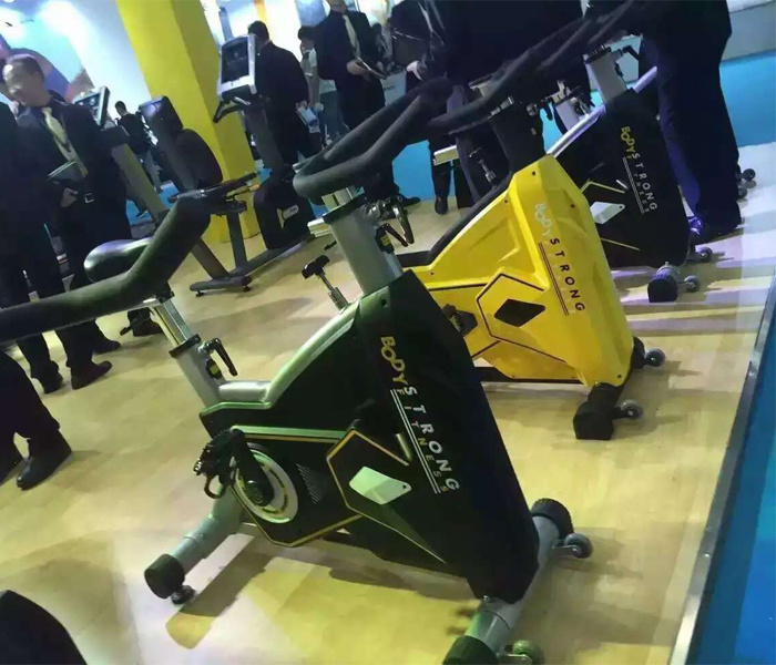 Professional Gym Exercise Equipment Commercial Spinning Bike Price