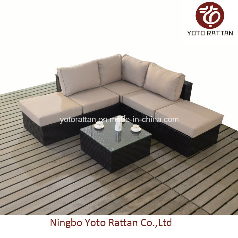 Small Corner Sofa in Brown (1101)