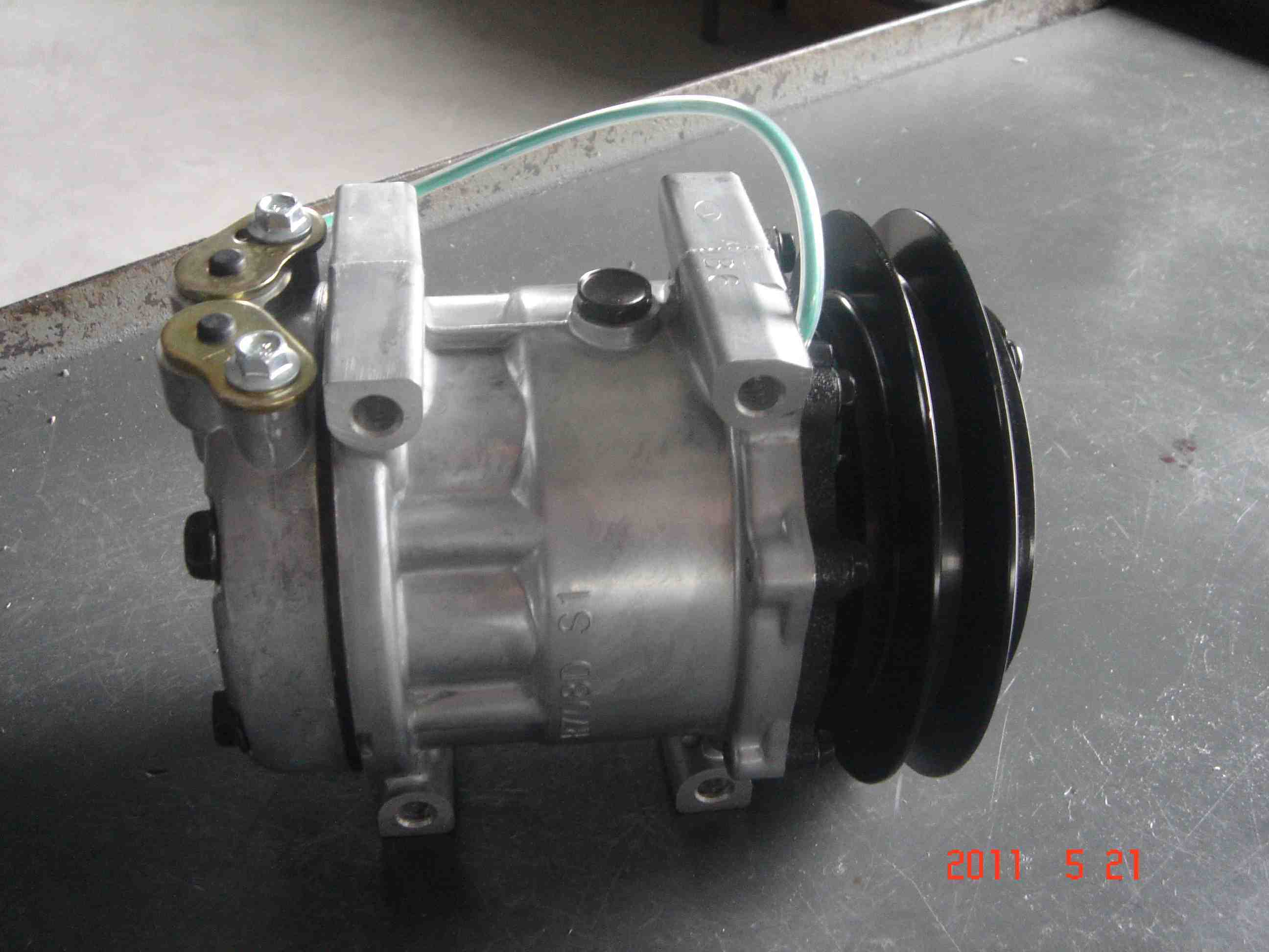 AC Air Compressor for New Holland Lb-90 (7H13)