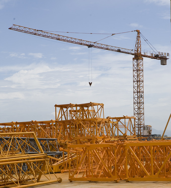 New Design of Flat-Top Tower Cranes (10CJ140 -8T)